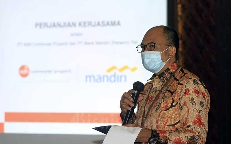 Executive Vice President Consumer Loans Bank Mandiri Ignatius Susatyo Wijoyo memberikan pemaparan di sela-sela penandatanganan kerja sama pembiayaan kepemilikan apartemen berkonsep TOD di Jakarta, Kamis (24/9/2020). Bisnis/Himawan L Nugraha