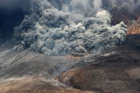 Gunung Sinabung Meletus, Medan Hujan Abu