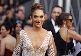 Jennifer Lopez Nyanyikan Lagu Piala Dunia 2014 'We Are One'