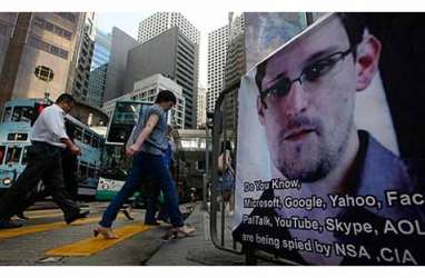 Edward Snowden Dihukum 100 tahun?
