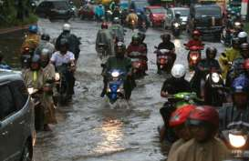Jakarta Diguyur Hujan Deras, Ini Lokasi Genangan Air & Banjir