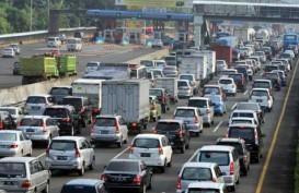 JELAJAH PANTURA: Jalan Berlubang di Tol Jakarta-Cikampek Hambat Laju Kendaraan