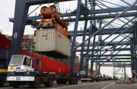 Aktivitas Bongkar Muat di Pelabuhan Teluk Bayur Makin Meningkat
