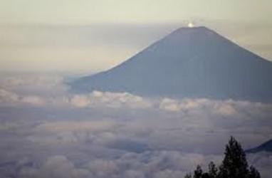 Gunung Slamet Berstatus Waspada, 21 Pendaki Selamat