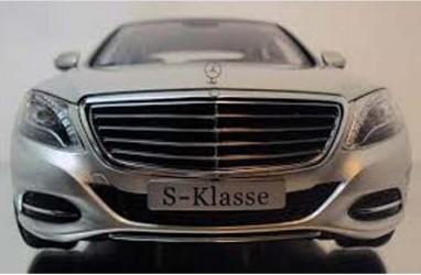 Penjualan Mercedes-Benz Turun 38,2%
