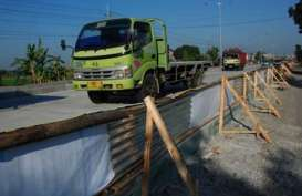 Kementerian PU Targetkan Perbaikan Jalan Pantura Selesai Juni 2014