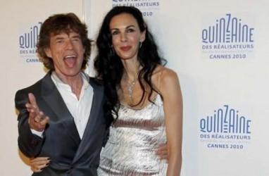 Kekasih Mick Jagger, L'Wren Scott Dimakamkan di Los Angeles