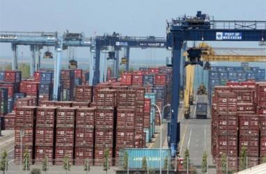 Aktivasi Jalur Kereta Dongkrak Arus Bongkar Muat di Tanjung Emas