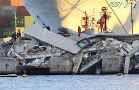 KECELAKAAN LAUT: Kapal Penumpang Lambelu Tabrakan di Tanjung Perak