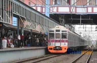 KRL JABODETABEK: Penumpang Menumpuk di Stasiun Besar Bogor