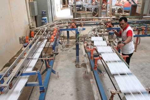 Produksi keramik