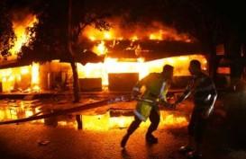 PASAR SENEN TERBAKAR, Api Belum Bisa Dipadamkan