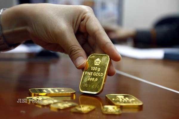 Harga emas turun ke level Rp482.194/gram. - bisnis.com