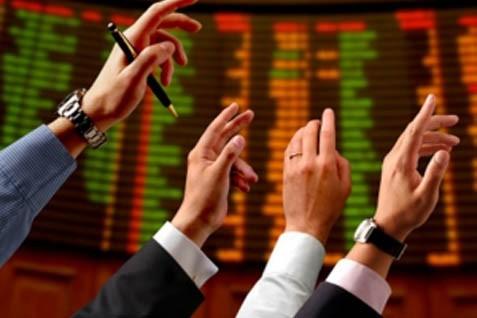 Dari 113 saham, sebanyak 49 saham di antaranya menguat.  - Bisnis.com