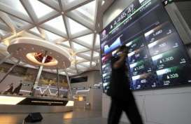 EKONOMI INDONESIA: PDB Melambat, Saatnya Investasi Sektor Konsumer?