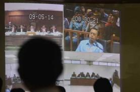 SIDANG KASUS CENTURY: Boediono Bersaksi di Pengadilan…