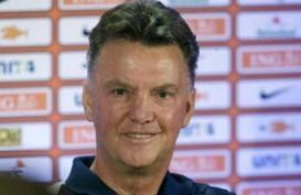 TRANSFER PEMAIN: Van Gaal Bidik Van Persie Jadi Kapten Manchester United?