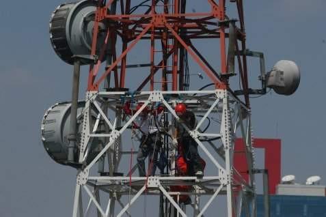 Menara operator selular. Tower Bersama akan bayar dividen Rp60 per saham - Bisnis