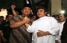 KAMPANYE CAPRES: Prabowo Didampingi Ical, Hatta Didampingi Rhoma