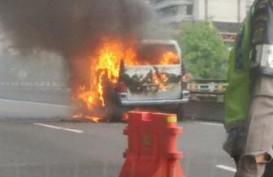 Mobil Terbakar, Jalan Tol Halim-Cawang Tersendat