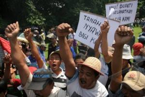 Ribuan Petani Karawang Tolak Eksekusi Lahan