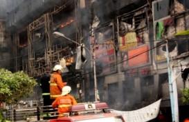 Pusat Perbelanjaan Bandung Terbakar, Api Belum Padam Hingga 12.00 WIB