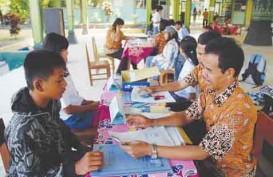 PPDB Online Lokal Hari Pertama Kacau, Ratusan Orang Tua Serbu Dinas Pendidikan DKI