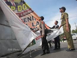 PILPRES 2014: Atribut Kampanye Capres Masih Menempel di Medan
