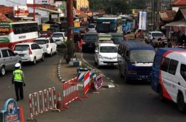 ARUS BALIK LEBARAN: Lalin Simpang Jomin-Tol Cikampek Ramai Lancar