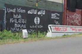 ISIS DI INDONESIA: Grafiti Dukungan Bertebaran di…