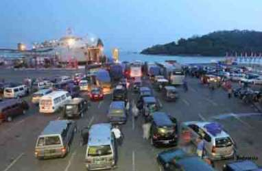 ARUS BALIK LEBARAN: Pelabuhan Bakauheni Mulai Normal