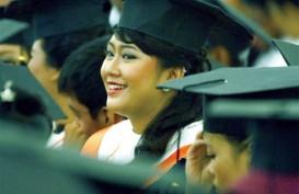 UNIVERSITAS INDONESIA Luluskan 4.943 Wisudawan