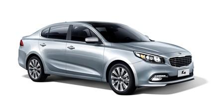 Inilah sedan global  perdana Kia K4  yang diluncurkan di Chengdu Motor Show 2014. Sichuan, Cina.