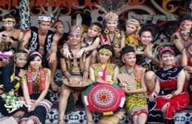 Pemkab Mahakam Bangun Jembatan Komunikasi Dengan Suku Dayak