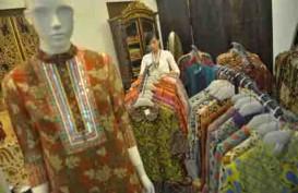 HARI BATIK NASIONAL: Mayoritas Orang Pelambang Pakai Batik Hari Ini