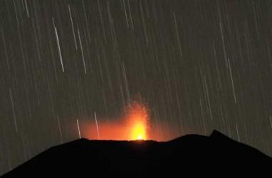 BADAN GEOLOGI: Gempa Embusan Gunung Slamet Meningkat