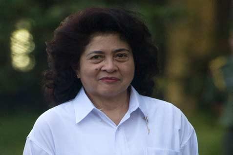 Menteri Kesehatan Nila F. Moeloek