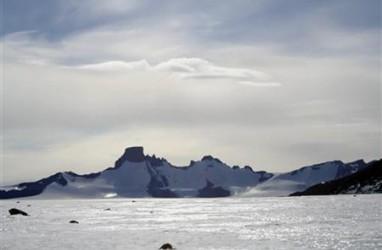 Bahan Kimia Cemari Perairan Kutub Selatan Seperti di Kota Besar
