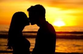 6 Fakta Unik Ciuman Patut Anda Ketahui