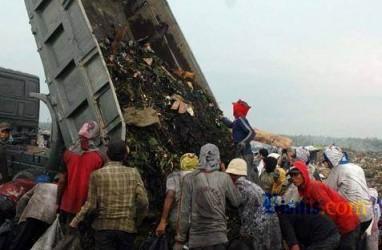 USAHA DAUR ULANG: Kerajinan Tangan Dari Sampah Styrofoam Diminati Para Pejabat