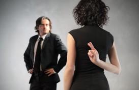 8 Tanda Suami Anda Berselingkuh