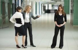 Waspadai 7 Tipe Pegawai Perempuan Tukang Bully di Kantor