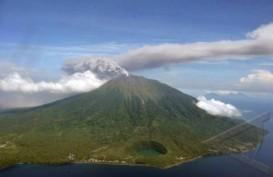 Gunung Gamalama Meletus: Dua Pendaki Dilaporkan Tersesat