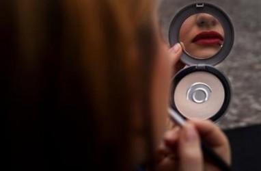 Kosmetik Revlon Mengandung Bahan Kimia Berbahaya Formalin & Paraben