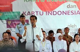 Jokowi Bagikan KIS & PKH di Ambon