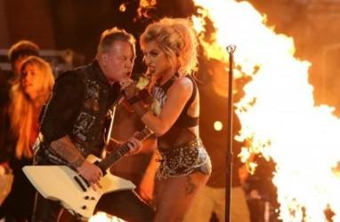 Grammy Awards 2017 : Semburan Api Saat Lady Gaga & Metallica Beraksi