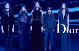 Dominasi Warna Biru pada Koleksi Terbaru Dior