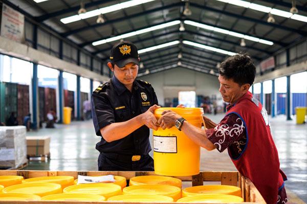 Bea Cukai Minta Importir Dan Eksportir Barang Kimia Pahami MSDS