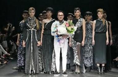 Barli Asmara Angkat Batik dan Songket Motif Jambi