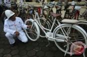 Ribuan Penggemar Sepeda Onthel Jambore di Malang